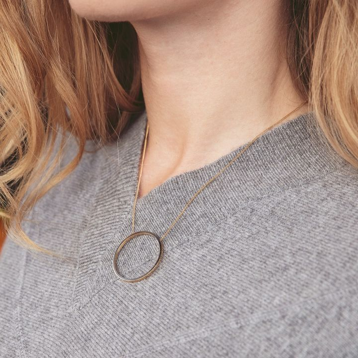 Circle Necklace Matt Gold